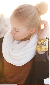 woman_scarf.png